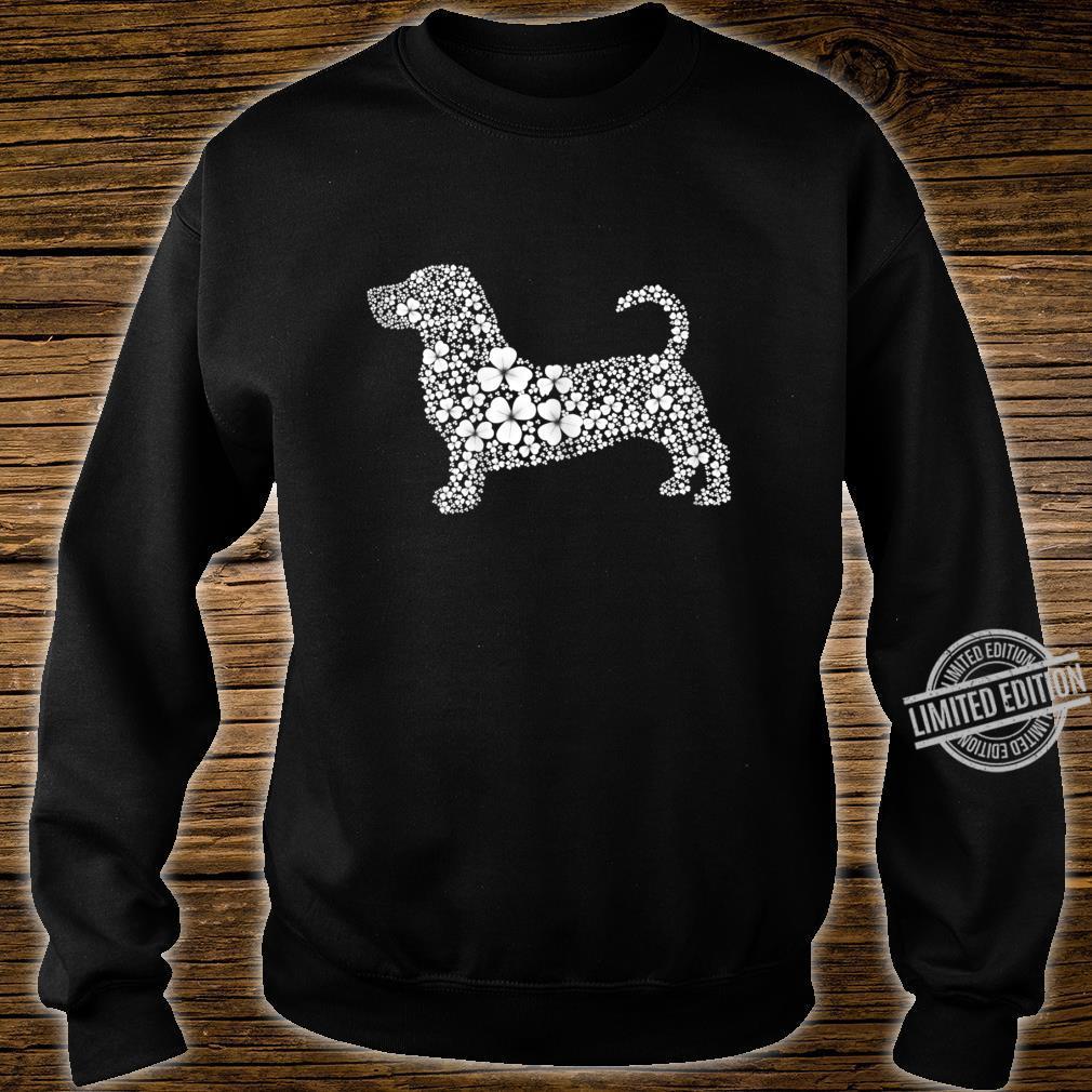 Womens Basset Hound Patrick LuckyClover Shamrock Irish Leaf Shirt sweater